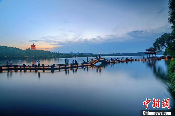 京杭对话:杭州西湖女子巡逻队将亮相北京颐和园
