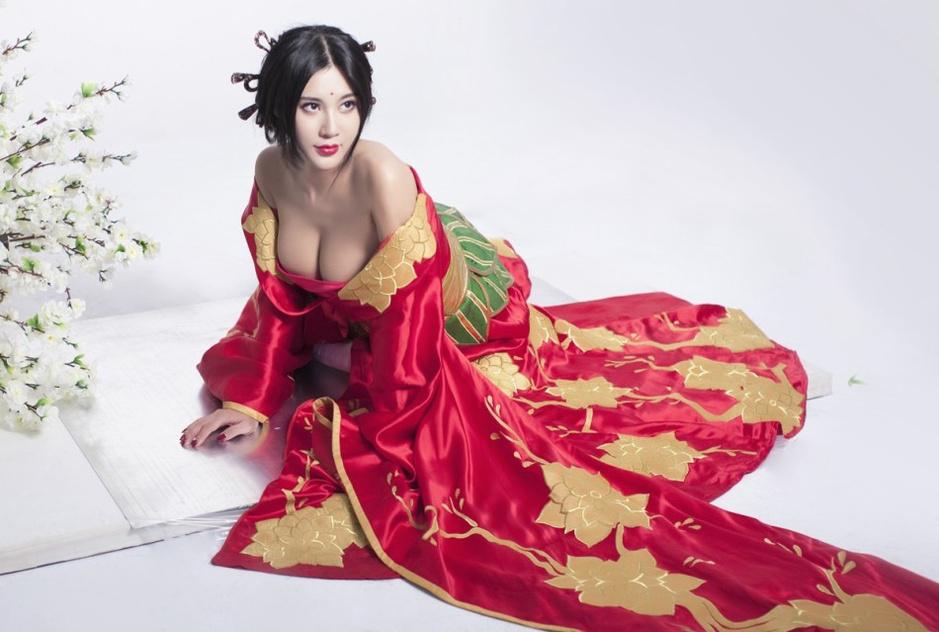乳神穿越成貂蝉性感撩人 联盟中国