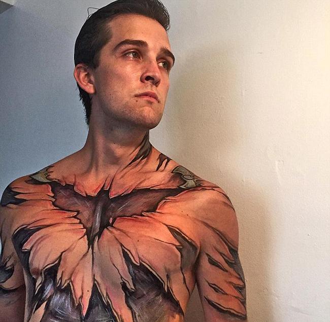 超现实人体彩绘艺术:撕裂皮肤变身超级英雄