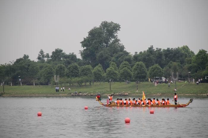 六安市第六届龙舟赛在老淠河月亮岛成功举办