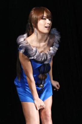 谈及蔡                    认知,第一印象中还是那位韩国性感歌星.