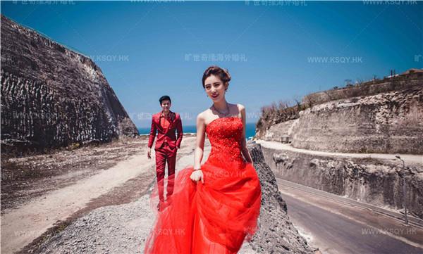 海外婚礼巴厘岛婚纱摄影大片欣赏—无边泳池,悬崖海景,艺术馆