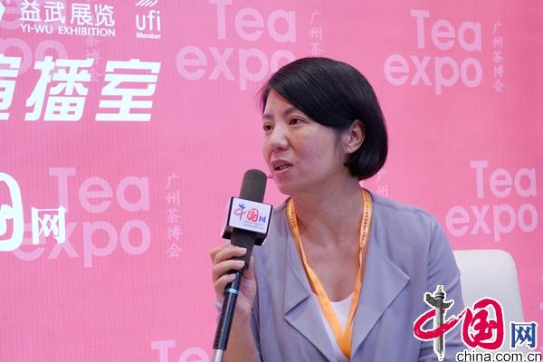武夷山市茶业局局长邓崇慧接受中国网专访