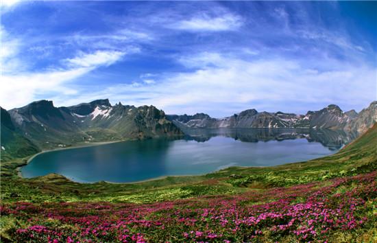 天池_首页  图说:长白山天池春    抚松县位于吉林省东南部,与朝鲜接壤,是